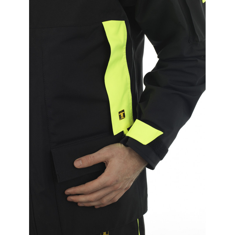 Breathable and resistant KARA offshore jacket - detail