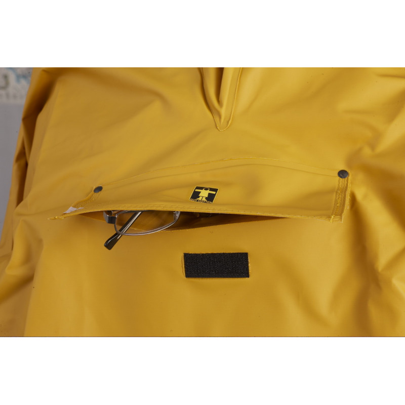 Waterproof front pocket of the Drenec Top